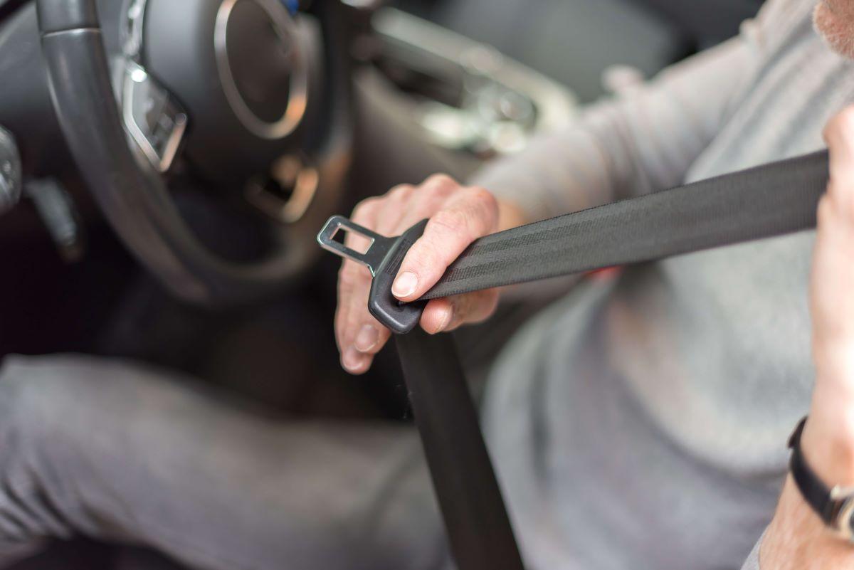 buckling-seat-belt